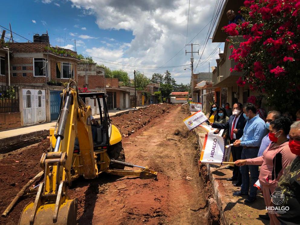 Inicio de pavimentación hidráulica de la Calle Tlaximaloyan