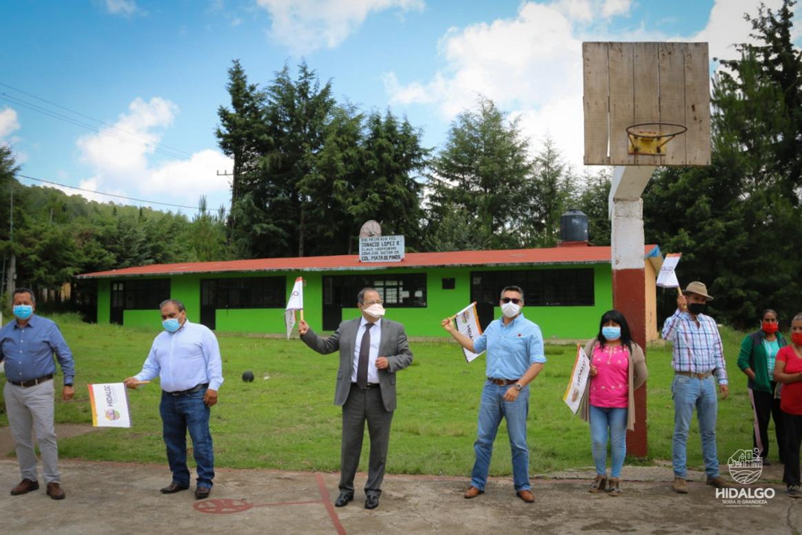 Inicio de trabajos de construcción de aula comedor en Mata de Pinos