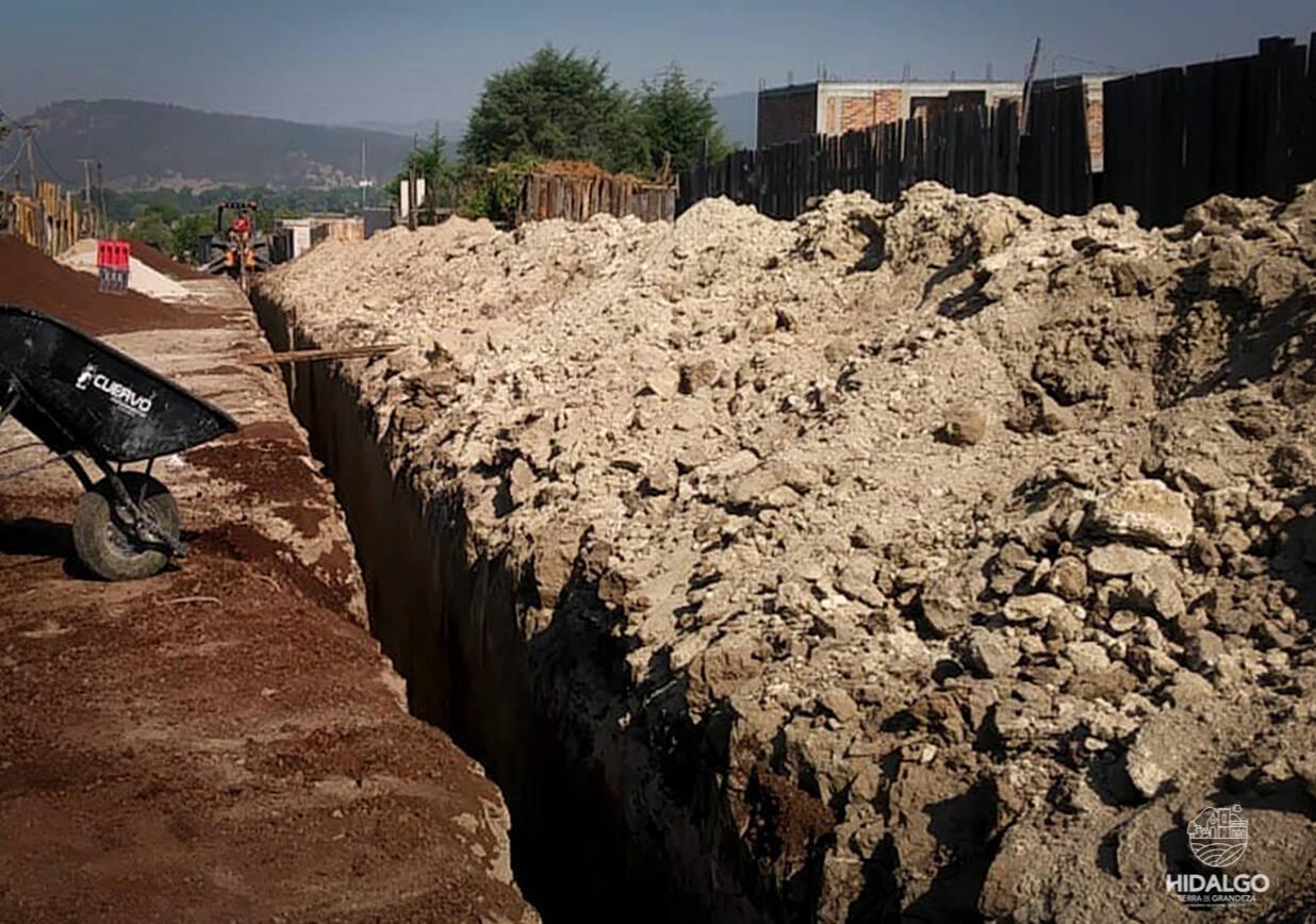 Se tiene un 85% de avance del drenaje sanitario en Temendao