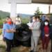 Entrega de 30 rollos de manguera a habitantes del Retranque