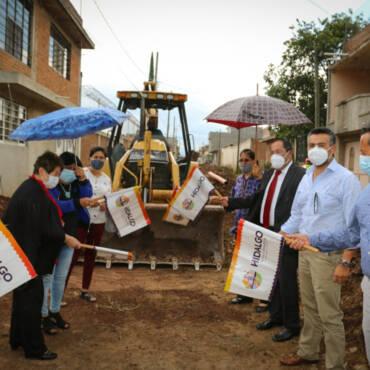 Inician trabajos de pavimentación de calle Riva Palacios