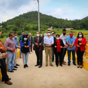 Inauguración de puente vehicular en El Chaparro