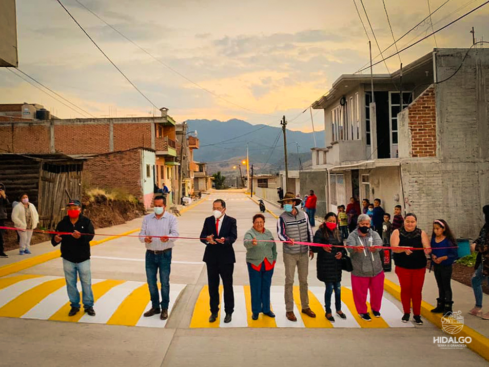 Inauguración de pavimentación hidráulica de la calle Pico de Orizaba