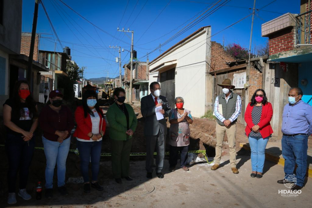 Arranque de la segunda etapa de pavimentación en la calle Taximaroa