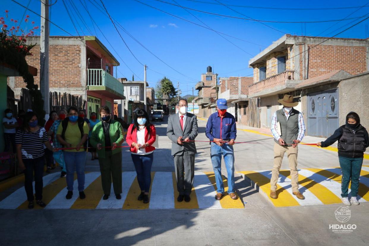 Inauguración de pavimentación de las calles Juan Álvarez y Plutarco Elías Calles