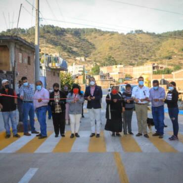 Pavimentación de las calles de Otilio Montaño y Taxco