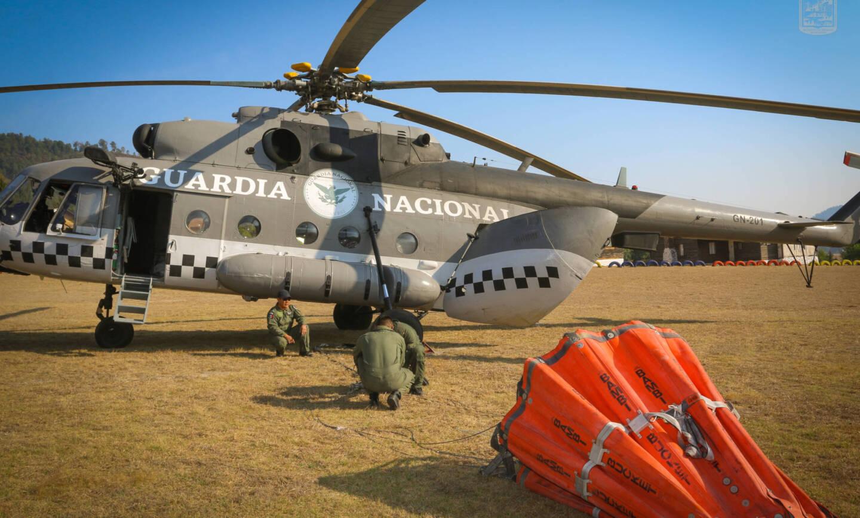 Arriba apoyo aéreo para combatir el incendio de Las Joyitas